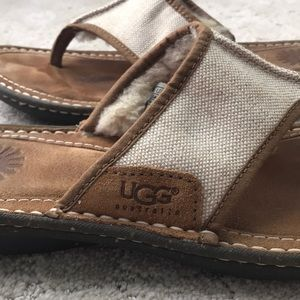 EUC UGG beige linen fleece lined thong sandal